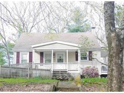 4 Bed 1 Bath Foreclosure Property in Willimantic, CT 06226 - Alice St