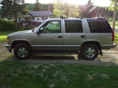 Chevy Tahoe 4dr 4X4 350ci No Accidents