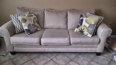 Moving needs sold Living room furniture