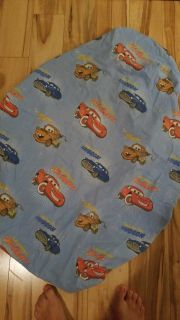 Fitted crib sheet.