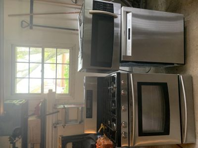Samsung stainless steel oven/stove and over the range microwave matching set