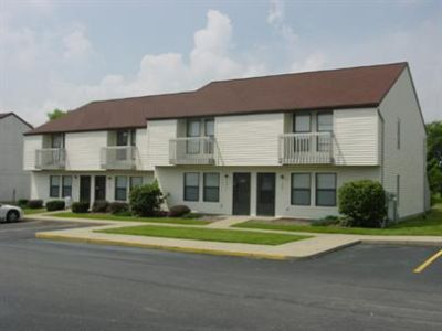 Kent State Students East Town Homes Off Campus Housing - 2 Rooms Available