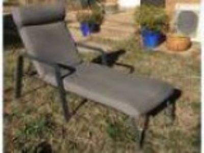 Outdoor recliner lounge chair
