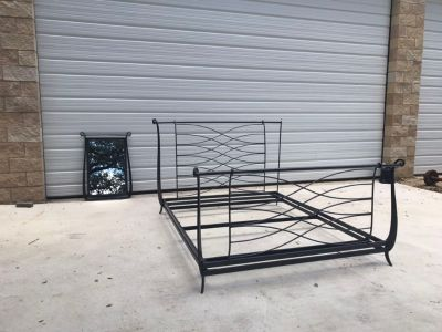 Iron Queen size frame and mirror