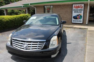 2007 Cadillac DTS Base (Black)