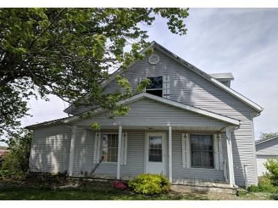 4 Bed 2 Bath Preforeclosure Property in New Castle, IN 47362 - E Brown Rd