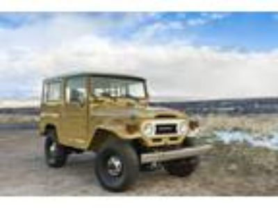 1977 Toyota Land Cruiser FJ40 Hard Top