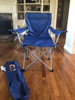 Folding camp chair with bag