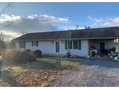 3 Bed 2 Bath Foreclosure Property in Waynesboro, VA 22980 - New Hope And Crimora Rd