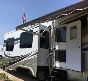 2009 DRV MOBILE SUITES 38RLSB3