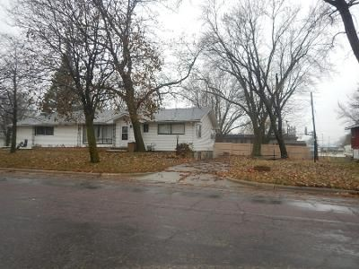 3 Bed Preforeclosure Property in Owatonna, MN 55060 - E University St