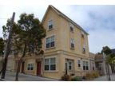Hayes Valley Apartments - 2 BR Townhouse