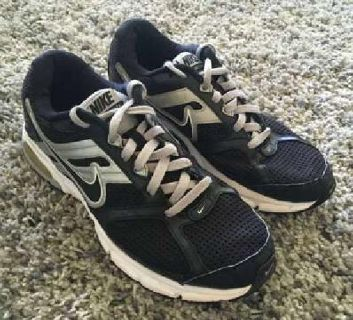 Men's Gray Nike Air DICTATE Size 10 Running Shoes