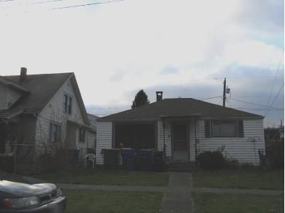 3 Bed 1 Bath Preforeclosure Property in Seattle, WA 98106 - 12th Ave SW