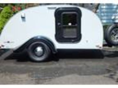 2017 Little Guy Silver-Shadow Travel Trailer in Getzville, NY