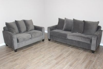 Gray Sofa set in Excellent condition!