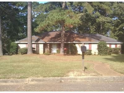 3 Bed 2.0 Bath Preforeclosure Property in Byram, MS 39272 - Brookleigh Dr