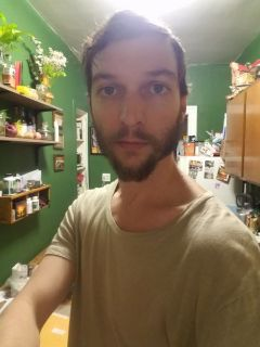Cameron B is looking for a New Roommate in New York with a budget of $800.00