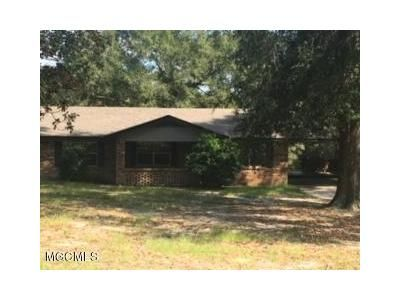 2 Bed 1 Bath Foreclosure Property in Saucier, MS 39574 - Hill Top Rd