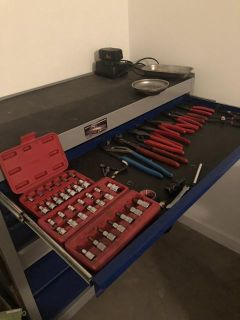 $1,500, Expert tool box by Mac tools with tools sale or trade for guns