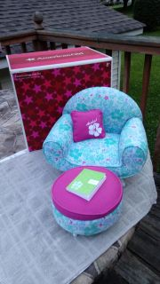 American Girl doll Kanani's Lounge Chair set. Like new w/original box. Never played with just sat on display.
