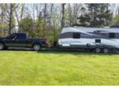 2015 Forest River Palomino-Puma-M-25RS Travel Trailer in Shepherdsville, KY