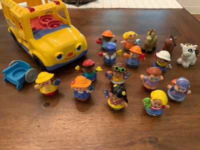 Adorable Vintage Fisher Price Little People School Bus with tons of People, 3 Animals, 1 wheelchair. Unsure is sounds and lights work.