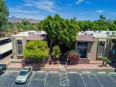 3825 E CAMELBACK Road #232 Phoenix One BR, Great condo located