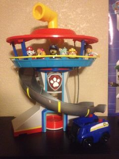 Paw Patrol Lookout, figures, & vehicle