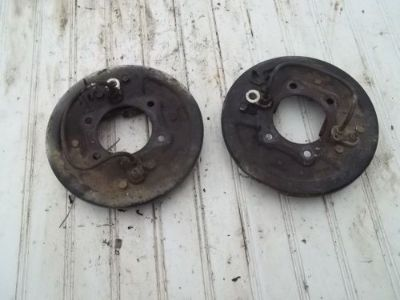 Sell 1988 YAMAHA BIG BEAR 350 4WD FRONT LEFT RIGHT BRAKE PLATES motorcycle in Booneville, Mississippi, United States, for US $100.00