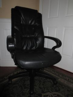 Office Chair(notice little hole in the front)