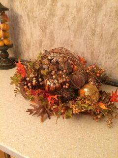 Large a Halloween centerpiece. Size is appropriate 25 wide x12 tall. Gorgeous piece. Near Hey 46 and 2722.