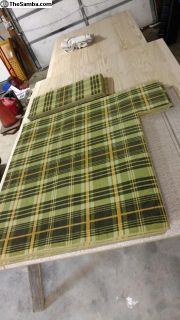 Sage Green Bay Window Plaid Carpet Set