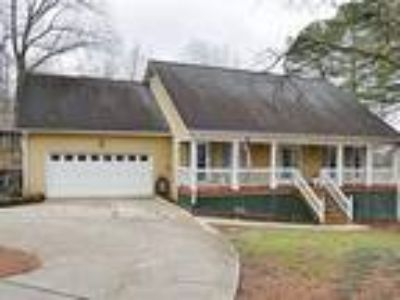 Country Cottage, Four BR, Three BA . Pool