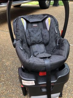 Britax B-Safe Elite Infant Car Seat AND Base