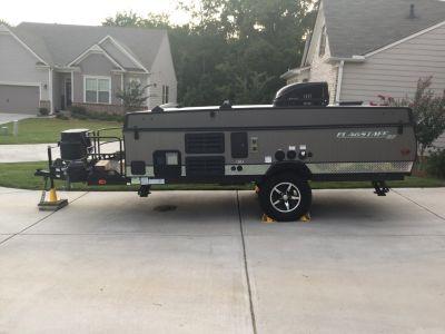 2017 Forest River FLAGSTAFF SPORT ENTHUSIAST 228BHSE
