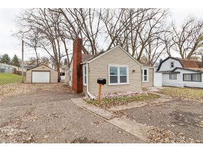 2 Bed 1 Bath Foreclosure Property in Saint Paul, MN 55106 - Maryland Ave E