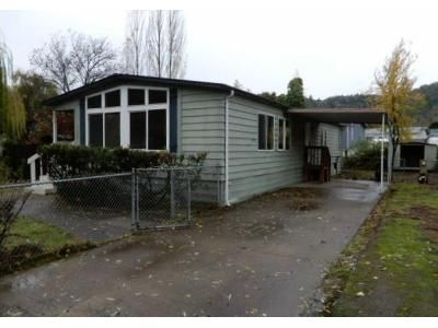 2 Bed 2 Bath Foreclosure Property in Roseburg, OR 97470 - Joseph St