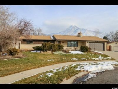 Wonderful opportunity with this beautiful home in the Heart of Holladay