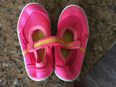 Toddler 7-8 water shoes