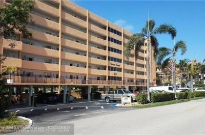 Well managed 42 unit building with great reserves - don't miss out on this one!