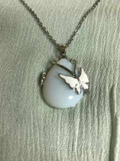 Synthetic opalite knecklace