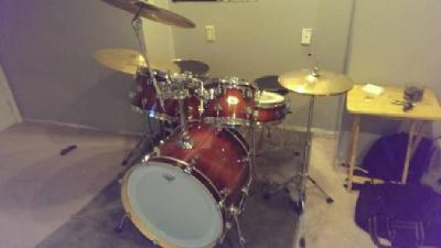 Pdp M5 5 Piece Drums with off Color 16'' Floor Tom and More