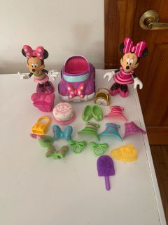 Minnie Mouse snap dolls with clothes lot 1
