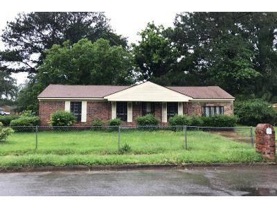 3 Bed 1 Bath Preforeclosure Property in Memphis, TN 38109 - Double Tree Rd