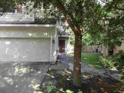 38 E Stedhill Loop CONROE Three BR, Beautiful townhome in a nice