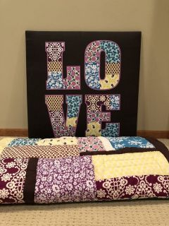 Full/Queen Comforter and Large Wall Pin Board