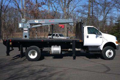 8972 - 2010 Ford F650 4x4; Venturo Ht66kx Service Crane; 5.5 Ton