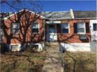 Well-Maintained Two BR Single Story Row Home for Rent - 724 Walnut Street -