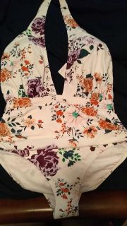 Brand New with tags xl bathing suit from cupshe fits more like a 12/14